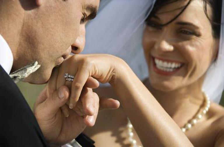 anello-nuziale-matrimonio-galateo