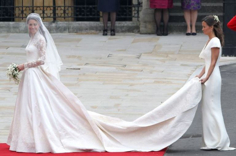 Labito-da-sposa-di-Kate-Middleton