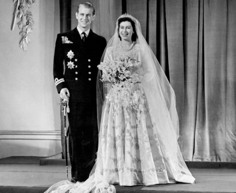 Gli abiti da sposa più belli...della storia  a6e10f8996f