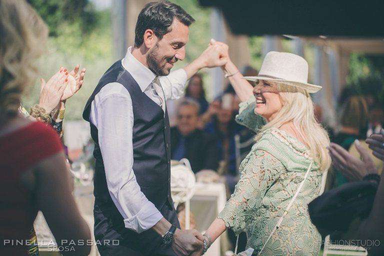 pinella-passaro-abito-sposo-musica