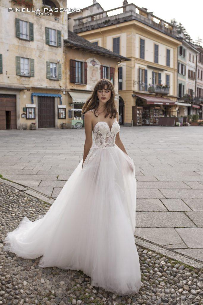 lussureggiante nel design prima clienti scegli autentico Collezione abiti da sposa Pinella Passaro 2018