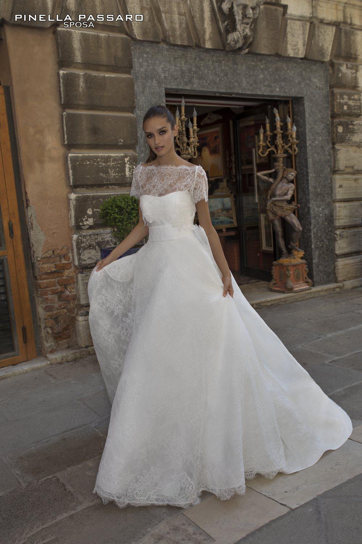 nuovo concetto e7fa8 17ef9 Collezione abiti da sposa Pinella Passaro 2019